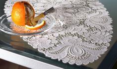 Tischdecken aus gestickter Spitze (ohne Gewebe)