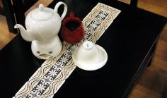 Tischbänder in Wunschlänge & Kissen