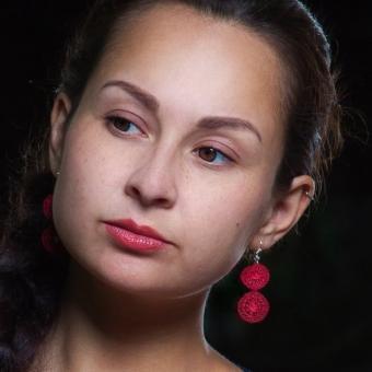 Ohrhänger Audrey - Weinrot