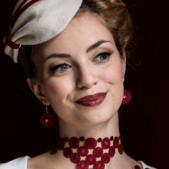 Runde Ohrringe Audrey - Weinrot