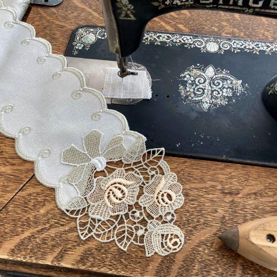Tischband Rose - Beige | Breite 11,5 cm | versch. Längen 160 cm