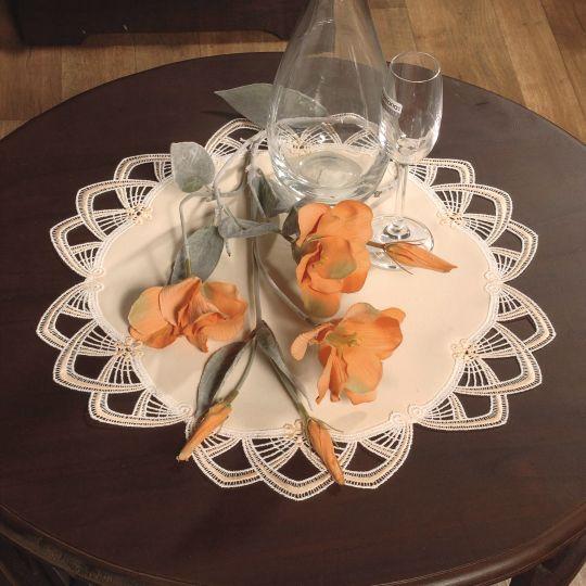Design London - Spitze Lachs-Creme mit Gewebe Satin
