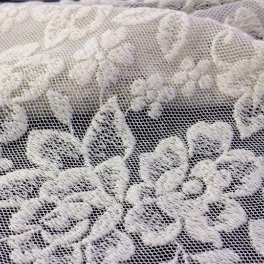 Bio-Tüll aus Baumwolle mit Stickerei - Design 69762 - roh <120m Abnahme ORGANIC