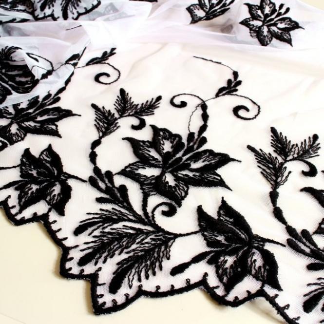 Tüll-Allover mit Wollstickerei T07 in Schwarz/Weiß, 65 cm breit