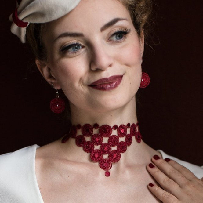 Collier Audrey - Weinrot